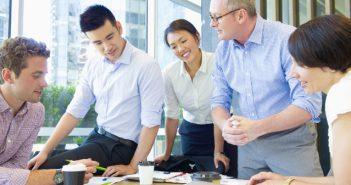 Business-Knigge - Umgang mit Kollegen, Kunden und Chef