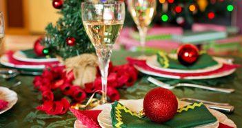 Weihnachtsfeier in Büro und Co. - Vorsicht Fettnäpfchen