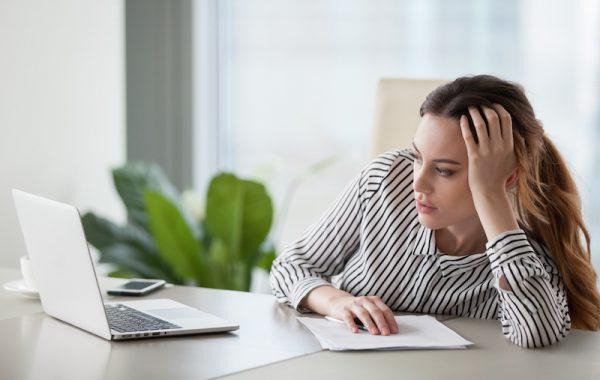 Schlaff vorm Bildschirm hängen – das ist Desinteresse pur