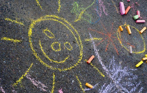 Mit Straßenkreide Kunstwerke kreieren